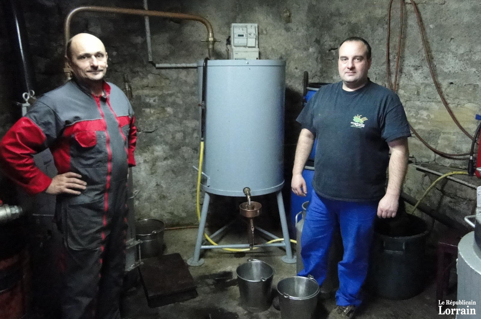 la-campagne-de-distillation-a-debute-a-murville-photo-rl-1542210100.jpg